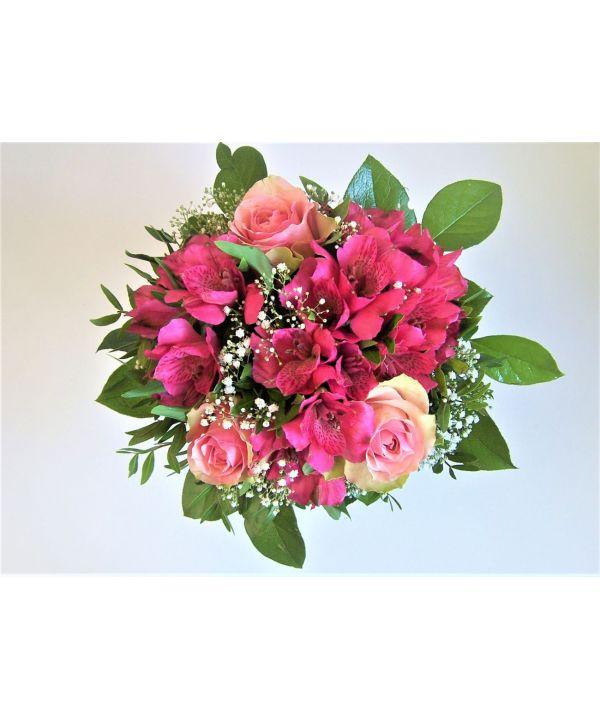 Růže s alstromerií