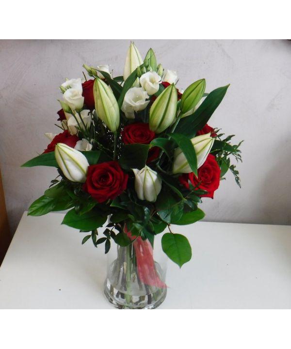 Lilie a růže malá