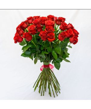 Kytice rudých růží