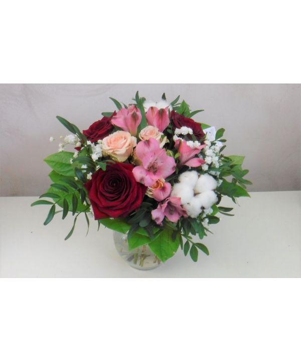 Růže s bavlníkem