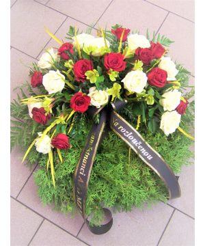 Smuteční věnec z červených a bílých růží